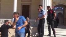 Adana Sabancı Merkez Camisi'nde Asılsız Canlı Bomba İhbarı
