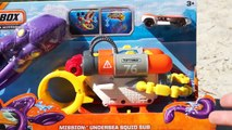 Matchbox Mission. Bathyscaphe catches an octopus We play in pool with toys. We open a new box-KaP4DBudtMY