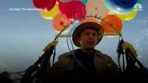 Il accroche 100 ballons d'hélium à sa chaise de camping et s'envole à plus de 2 km d'altitude