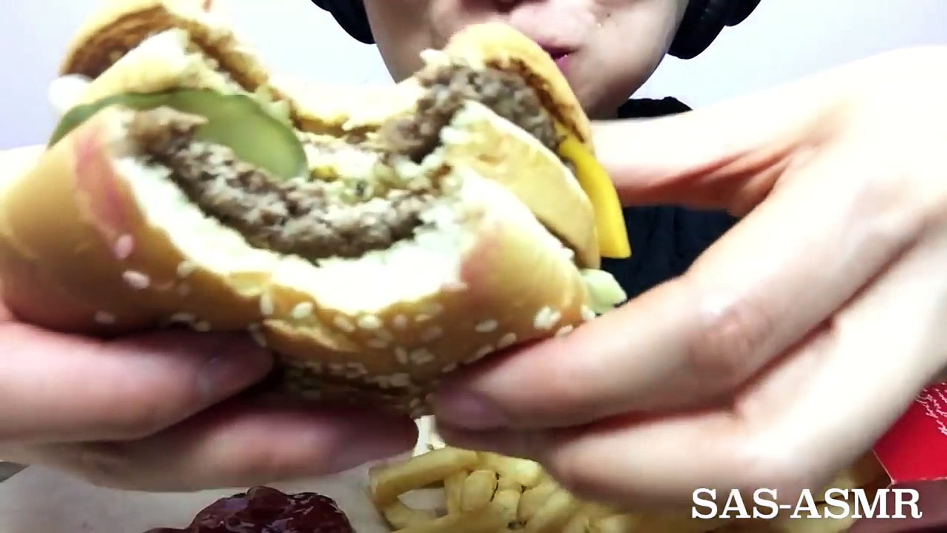 ASMR McDonalds BIG MAC (NO TALKING EATING SOUNDS) | SAS-ASMR