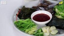 처음 과메기를 먹어 본 외국인 반응 Feat. 안동소주 [코리안브로스] Tasting weird Korean Raw Fish for the first time [Korean Bros]