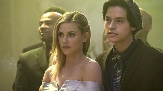 Riverdale Season 2 Episode 5 « When A Stranger Calls - The CW
