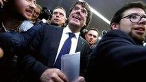 Carles Puigdemont quer ser interrogado pelo juiz na Bélgica