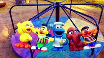 LEARNING COLORS On Rainbow Merry-Go-Round with SESEME STREET TOYS!-TMUSwefJEOQ