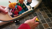MOTORIZED TOY BOAT Alvin and the Chipmunks Bathtub Swimming!-mXezi8vRBOw