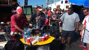 """Homegating with Chicago Bears Legend Anthony """"Spice"""" Adams and Giuliana Rancic"""