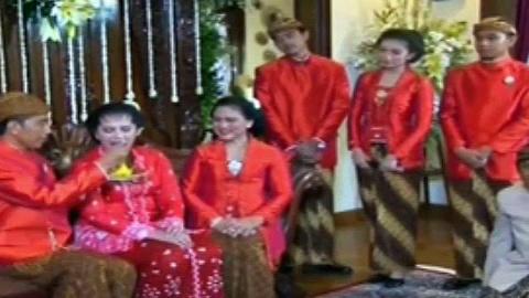 Trending News: Pernikahan Kahiyang – Bobby