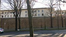 Suivez Frédéric Lewino en direct de la prison de la Santé et revivez avec lui les exécutions du Dr Petiot, etc.