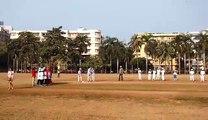 Le Roi Philippe joue au cricket