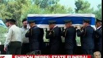 IZRAELI DHE LIDERET BOTERORE PERCJELLIN PER NE BANESEN E FUNDIT SHIMON PERES LAJM