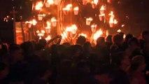Flammes et Flots sur le vieux port de Marseille, comme si vous y étiez...