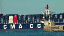 L'arrivée du plus grand porte conteneurs du monde dans le port de Marseille.