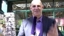 Harlan Coben est ravi de rencontrer ses lecteurs, et il aime la France !