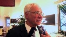 Le député-maire de Martigues Gaby Charroux au micro d'Ulrich Téchené