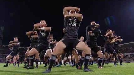 L'impressionnant haka timatanga des Maoris All Blacks face aux Barbarians Français
