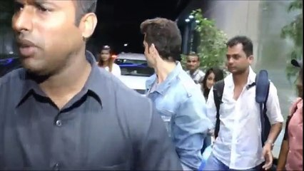56.OMG! Hrithik's presence makes his fan shiver literally