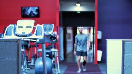 Trois exercices de musculation pour travailler les triceps - Musculation -  Tutos vidéos c8c5e933fa0