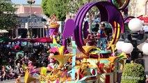 Mickeys Soundsational Parade - VIP Zone - Disneyland