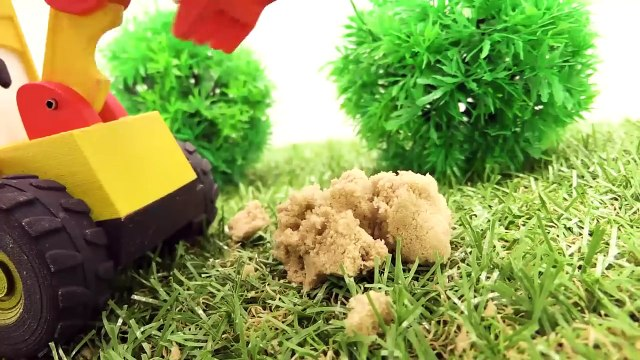 Toys and videos for kids. Excavator Max and toy train . Tunnel for train. Toy story & train videos-u9j6b3kKDaU