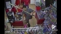 Il chasse un braqueur de magasin à coups de pelle !