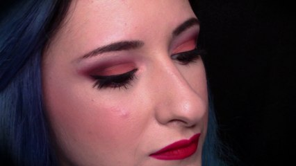 Red and peaches Cut Crease