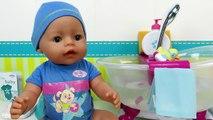 Bebé que hace pipí y popó Muñeco bebé interivo Baby Born que llora de verdad Mundo Juguetes