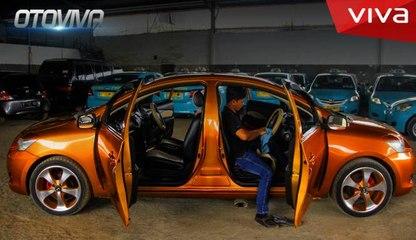 Mobil Unik Sultan Arab, Punya 14 Roda - VIVA