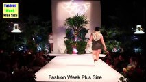 Fashion Week Plus Size 2017 - Fat Women Wearing Tight Clothing