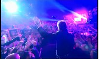Entrée sur scène de Johnny Hallyday à Bercy en 2013
