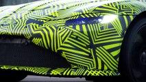 VÍDEO: Max Verstappen se divierte con el nuevo Aston Martin Vantage