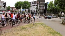 Ils ajoutent des marquages au sol pour aider les cyclistes (Pays-Bas)