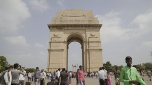 A Living Postcard From India Gate