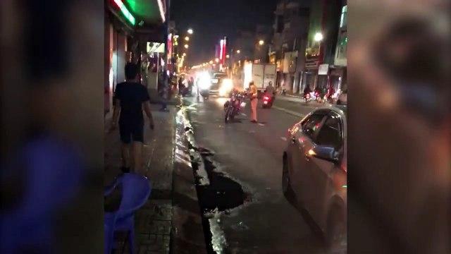 Tài xế ô tô say xỉn tông vào xe đặc chủng CSGT rồi bỏ chạy trên phố Sài Gòn