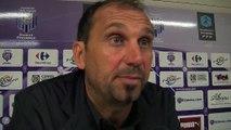 La réaction de l'entraîneur du FC Istres Lionel Charbonnier après le derby