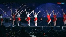 饭拍韩国女团热舞现场, 很受欢迎的一首歌!_高清(00h00m53s-00h00m55s)