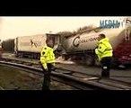 Dode na ongeval met vrachtwagens A29 Hellegatsplein