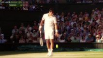 Djokovic s'apprête à servir