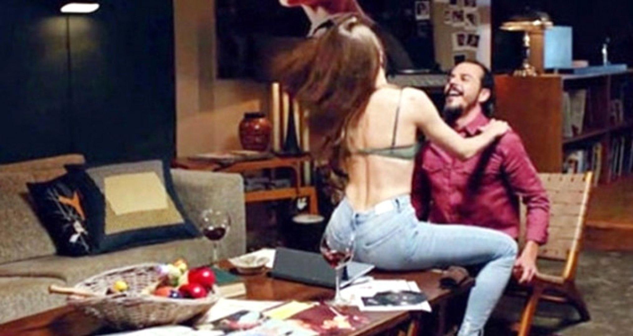 Mehmet Günsür, Ateşli Sahneler İçin İlk Kez Konuştu: Eşim Zevkle İzliyor
