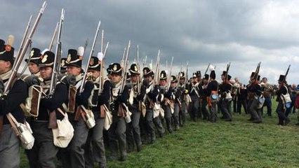 Après les hommes de Wellington, l'infanterie du Prince d'Orange arrive...