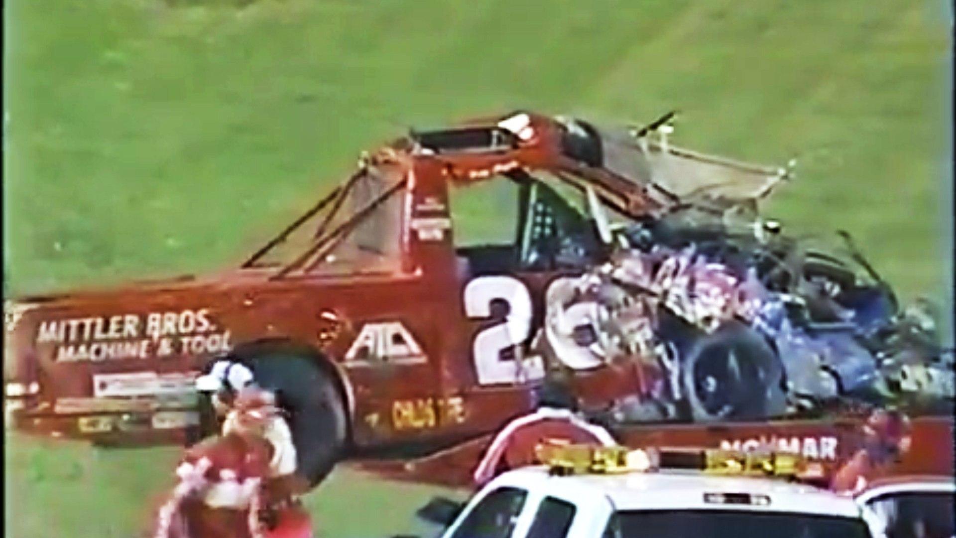 Tony Roper fatal crash at Texas Motor Speedway (13 October 2000) NASCAR  Trucks