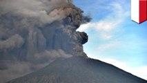 Erupsi gunung api: Gunung Agung eruspi, penerbangan dibatalkan - TomoNews