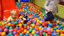 Indoor Playground Family Fun Play Area for kids playing with toys balls  & Baby playroom-e2_fE39Dny4