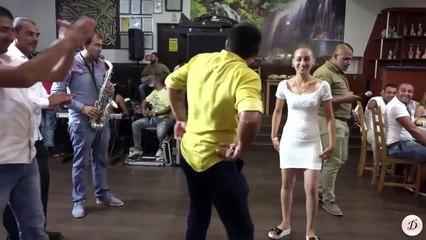 Pogledajte kako ova KUMA miješa na svadbi (VIDEO)