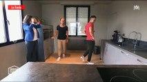 """Un agent immobilier demande à son client de danser avec elle dans """"Chasseurs d'appart"""" - Regardez"""