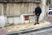 Belediye Kapısına Kaldırım Örünce Sokakta Kalan Vatandaş, Evine Kavuştu