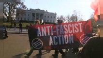 Anti-Facistes contre Alt Right devant la Maison Blanche