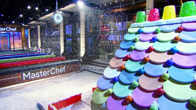 The MasterChef Kitchen Turns Into A Winter Wonderland _ Season 5 Ep. 10 _ MASTERCHEF JUNIOR-8en5mL6zO1s