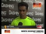Futsal Neon bersama Remy Ishak, Henry Golding