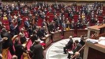A l'Assemblée, les députés se lèvent pour rendre hommage à Johnny Hallyday