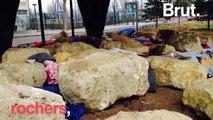 «Soyons humains», la campagne de la Fondation Abbé-Pierre pour dénoncer le mobilier urbain anti-SDF